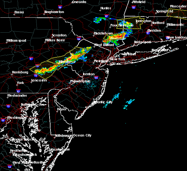 Radar Image for Severe Thunderstorms near Kenvil, NJ at 6/18/2018 7:33 PM EDT