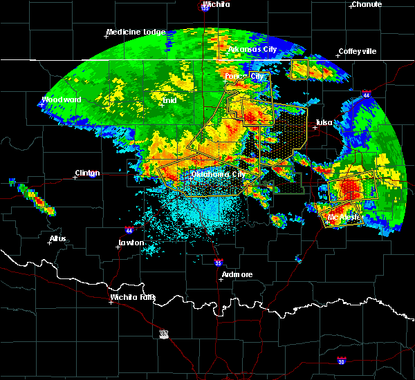 Radar Image for Severe Thunderstorms near Jones, OK at 6/24/2018 4:12 AM CDT