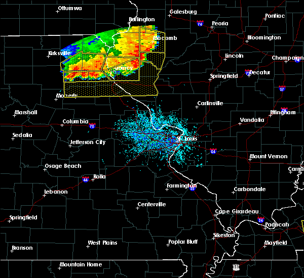 Radar Image for Severe Thunderstorms near Quincy, IL at 6/28/2018 3:26 PM CDT