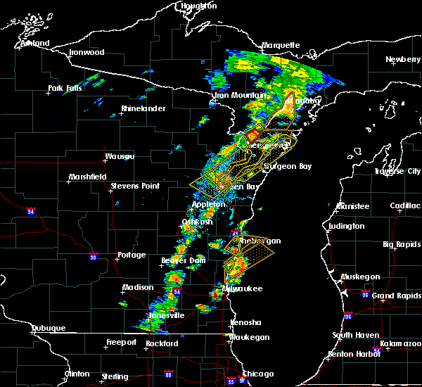 Radar Image for Severe Thunderstorms near Sturgeon Bay, WI at 7/1/2018 3:27 PM CDT
