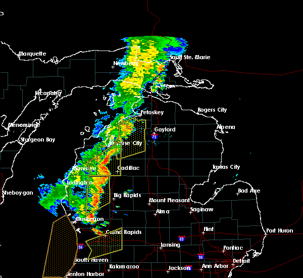 Radar Image for Severe Thunderstorms near Nessen City, MI at 7/1/2018 8:16 PM EDT
