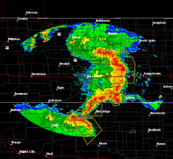 Radar Image for Severe Thunderstorms near Timber Lake, SD at 7/4/2018 12:34 AM MDT