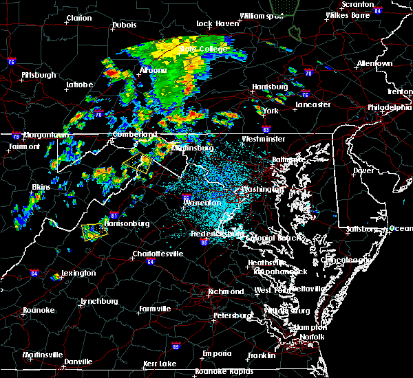 Radar Image for Severe Thunderstorms near Harrisonburg, VA at 7/4/2018 2:57 PM EDT