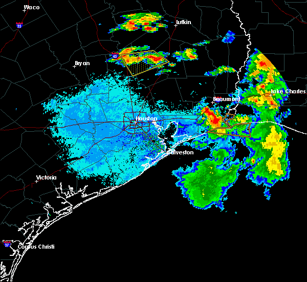 Radar Image for Severe Thunderstorms near Cape Royale, TX at 7/5/2018 6:43 PM CDT