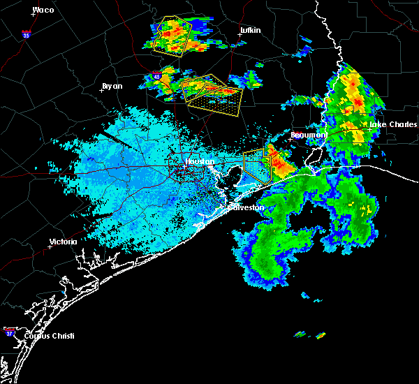 Radar Image for Severe Thunderstorms near Cape Royale, TX at 7/5/2018 7:07 PM CDT