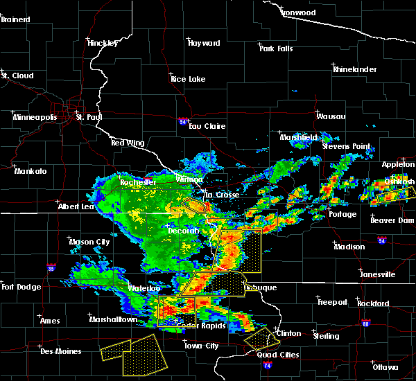 Radar Image for Severe Thunderstorms near Bloomington, WI at 7/13/2018 5:46 PM CDT