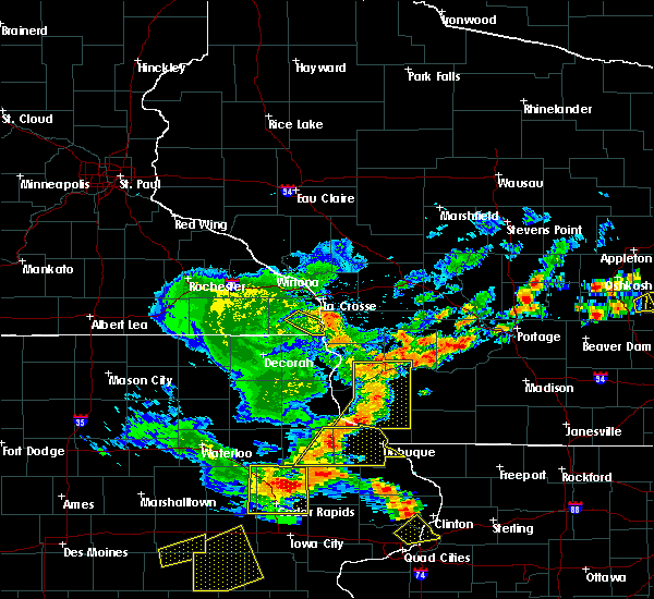 Radar Image for Severe Thunderstorms near Bloomington, WI at 7/13/2018 5:56 PM CDT
