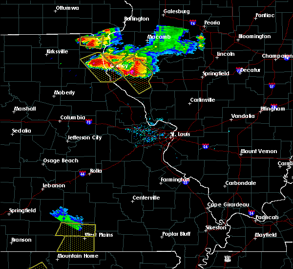 Radar Image for Severe Thunderstorms near Hannibal, MO at 7/19/2018 8:23 PM CDT