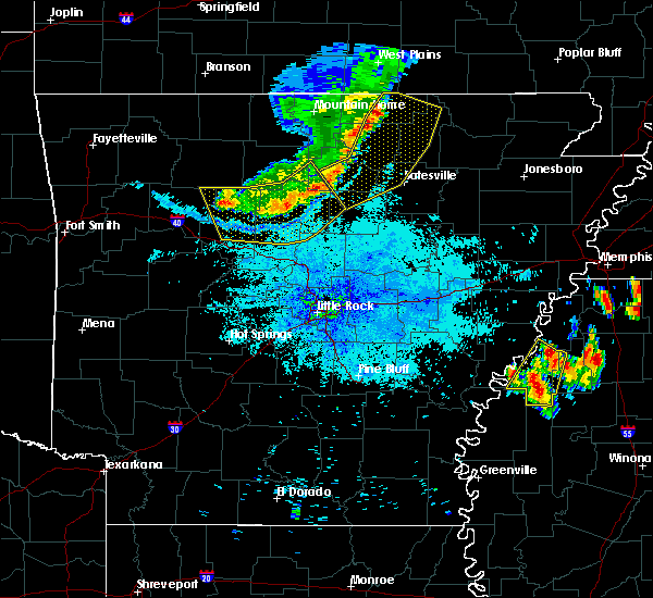 Radar Image for Severe Thunderstorms near Salem, AR at 7/19/2018 9:06 PM CDT