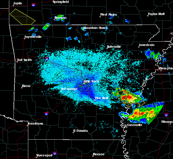 Radar Image for Severe Thunderstorms near Clarksdale, MS at 7/20/2018 11:33 PM CDT