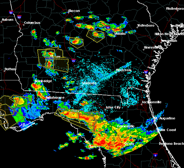 Radar Image for Severe Thunderstorms near Cross City, FL at 7/22/2018 5:31 PM EDT
