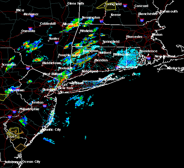 Radar Image for Severe Thunderstorms near Waterbury, CT at 7/27/2018 3:42 PM EDT