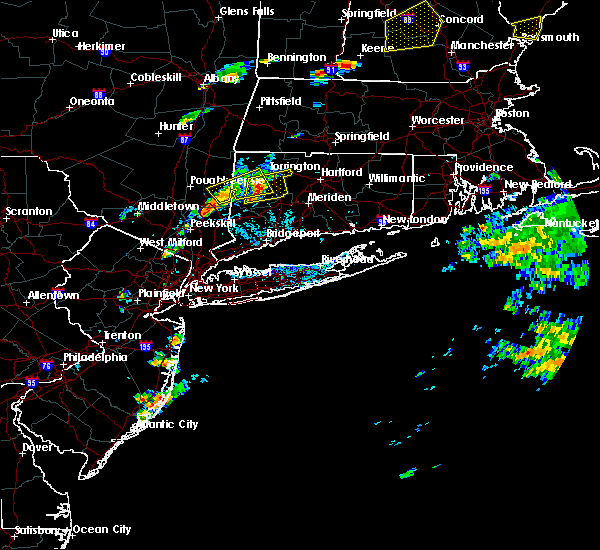Radar Image for Severe Thunderstorms near Waterbury, CT at 7/28/2018 4:24 PM EDT