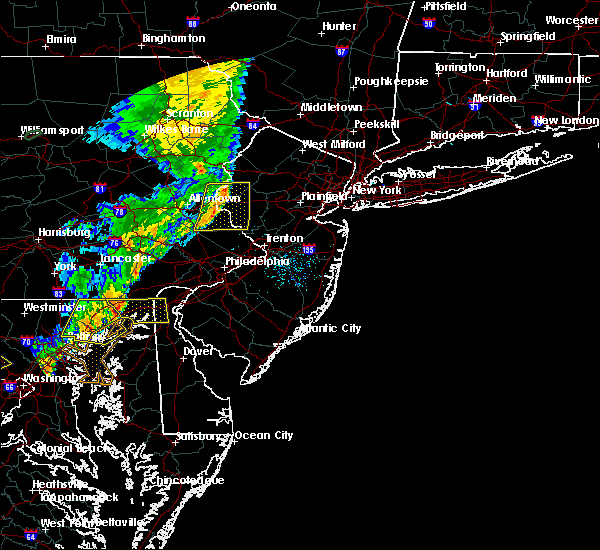 Radar Image for Severe Thunderstorms near Wilson, PA at 8/1/2018 11:10 PM EDT