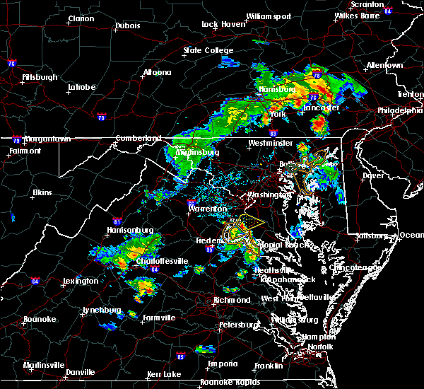 Radar Image for Severe Thunderstorms near Fort Washington, MD at 8/7/2018 6:17 PM EDT