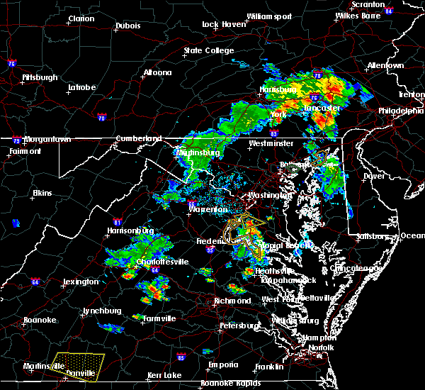 Radar Image for Severe Thunderstorms near La Plata, MD at 8/7/2018 6:33 PM EDT