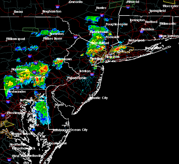 Radar Image for Severe Thunderstorms near Paterson, NJ at 8/7/2018 6:48 PM EDT