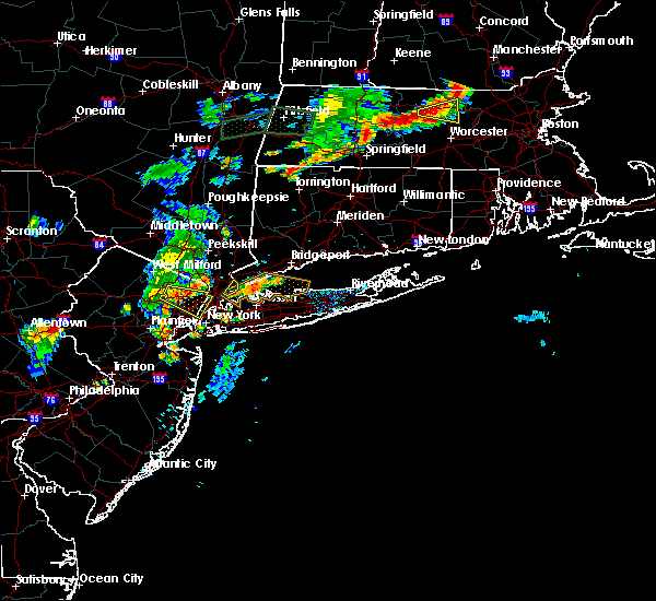 Radar Image for Severe Thunderstorms near Larchmont, NY at 8/7/2018 6:54 PM EDT