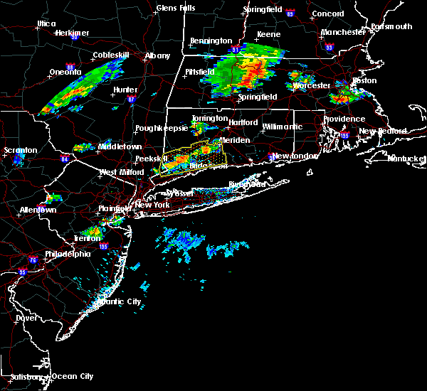 Radar Image for Severe Thunderstorms near Cheshire Village, CT at 8/8/2018 6:06 PM EDT
