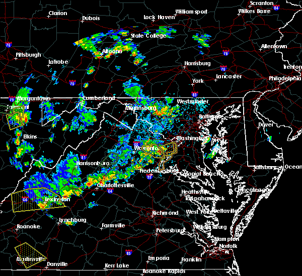 Radar Image for Severe Thunderstorms near Crosspointe, VA at 8/13/2018 4:15 PM EDT
