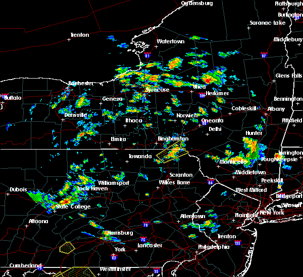 Radar Image for Severe Thunderstorms near Oakland, PA at 8/17/2018 4:08 PM EDT