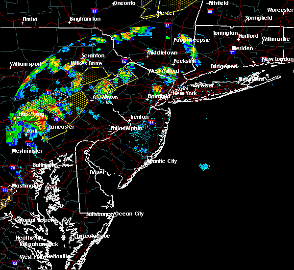 Radar Image for Severe Thunderstorms near Mountain Lake, NJ at 8/17/2018 6:25 PM EDT