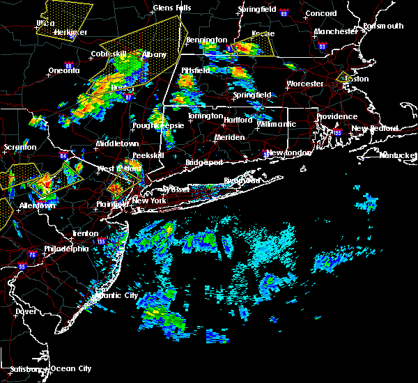 Radar Image for Severe Thunderstorms near Paterson, NJ at 8/17/2018 6:41 PM EDT