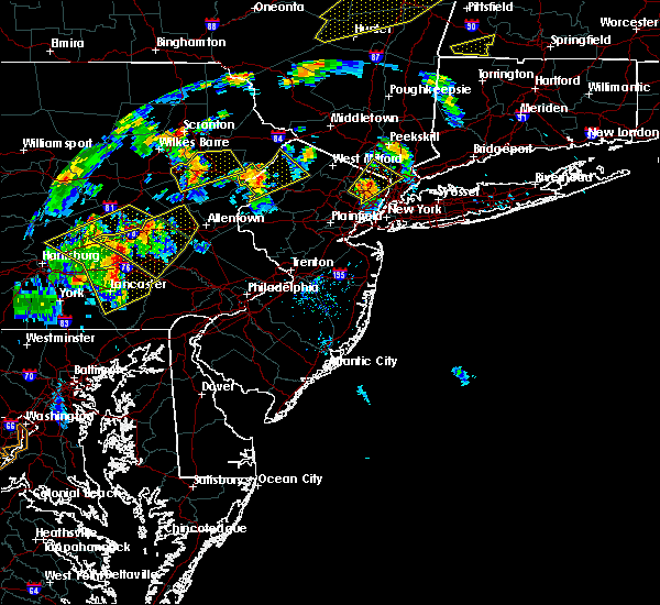 Radar Image for Severe Thunderstorms near Mountain Lake, NJ at 8/17/2018 6:44 PM EDT