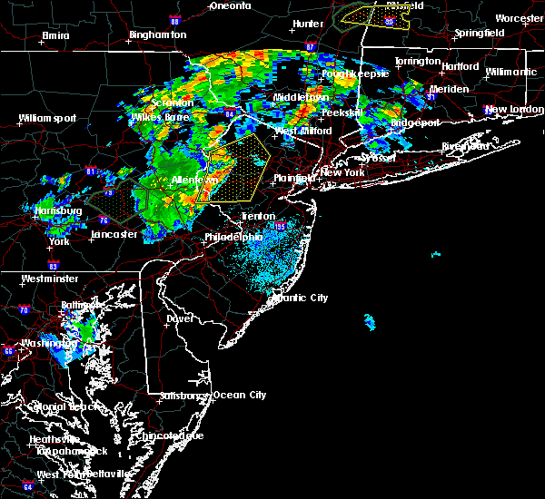 Radar Image for Severe Thunderstorms near Kenvil, NJ at 8/17/2018 8:23 PM EDT