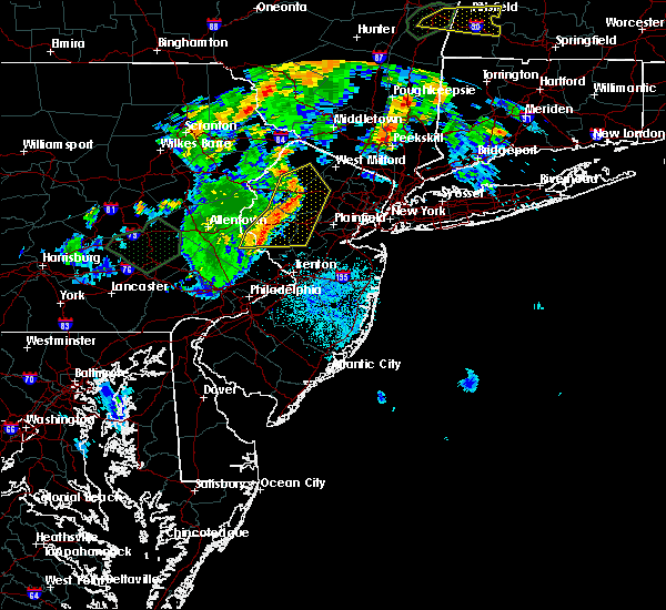 Radar Image for Severe Thunderstorms near Kenvil, NJ at 8/17/2018 8:38 PM EDT