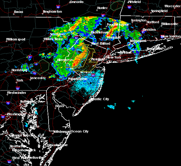 Radar Image for Severe Thunderstorms near Heathcote, NJ at 8/17/2018 8:51 PM EDT