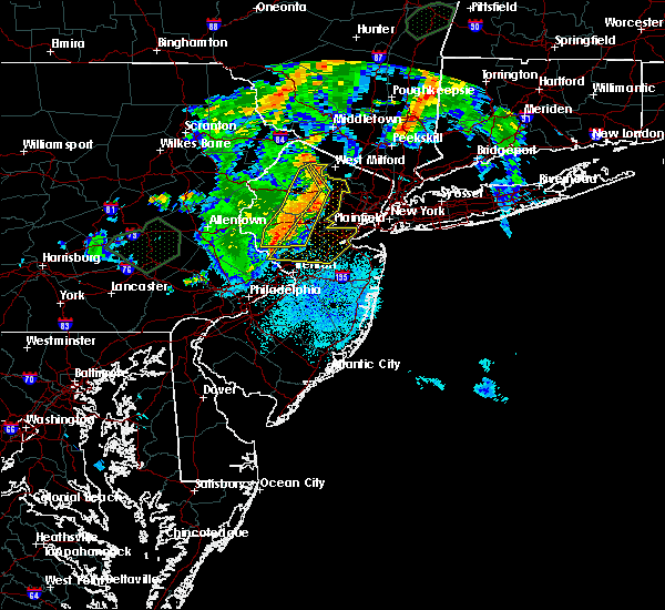 Radar Image for Severe Thunderstorms near Kenvil, NJ at 8/17/2018 8:55 PM EDT