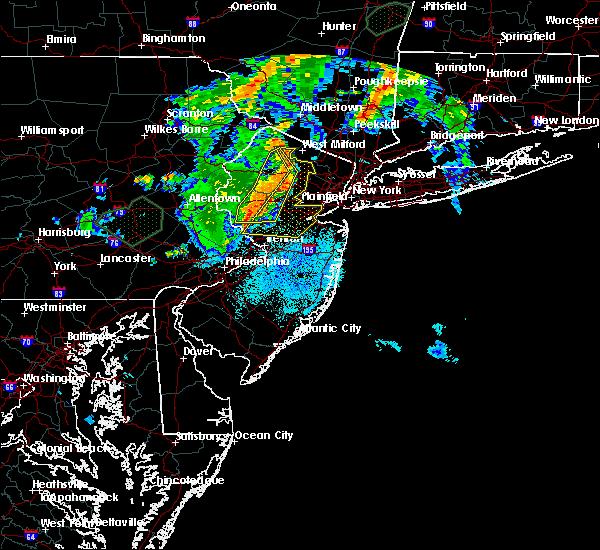 Radar Image for Severe Thunderstorms near Dover, NJ at 8/17/2018 8:55 PM EDT