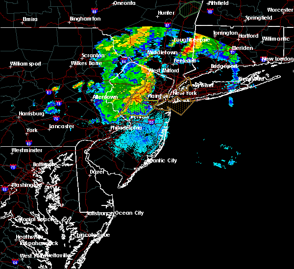 Radar Image for Severe Thunderstorms near Heathcote, NJ at 8/17/2018 9:13 PM EDT
