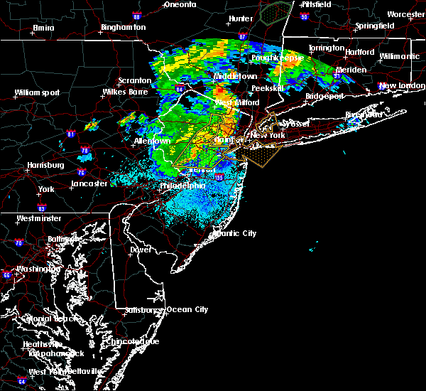 Radar Image for Severe Thunderstorms near Heathcote, NJ at 8/17/2018 9:26 PM EDT