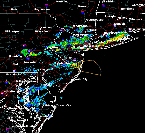 Radar Image for Severe Thunderstorms near Silver Ridge, NJ at 8/18/2018 6:33 PM EDT