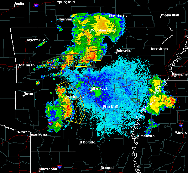 Radar Image for Severe Thunderstorms near Clinton, AR at 8/19/2018 9:01 PM CDT