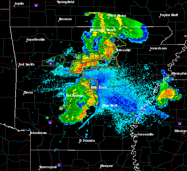 Radar Image for Severe Thunderstorms near Melbourne, AR at 8/19/2018 10:09 PM CDT