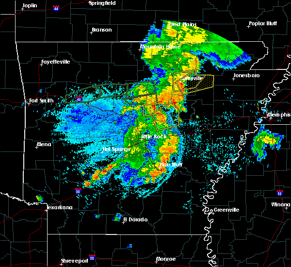 Radar Image for Severe Thunderstorms near Newport, AR at 8/19/2018 10:58 PM CDT