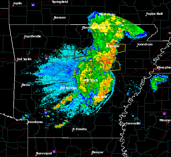 Radar Image for Severe Thunderstorms near Bradford, AR at 8/19/2018 11:16 PM CDT