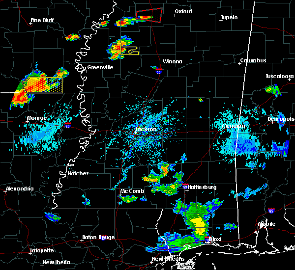 Radar Image for Severe Thunderstorms near Drew, MS at 8/20/2018 5:37 PM CDT