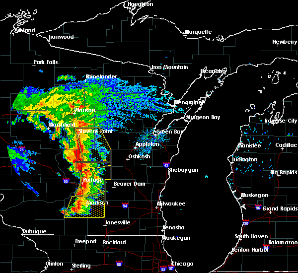 Radar Image for Severe Thunderstorms near King, WI at 8/26/2018 4:22 PM CDT