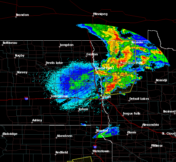 Radar Image for Severe Thunderstorms near Roseau, MN at 8/26/2018 11:25 PM CDT