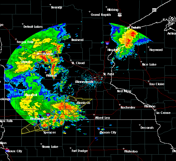 Radar Image for Severe Thunderstorms near Good Thunder, MN at 8/27/2018 3:57 PM CDT