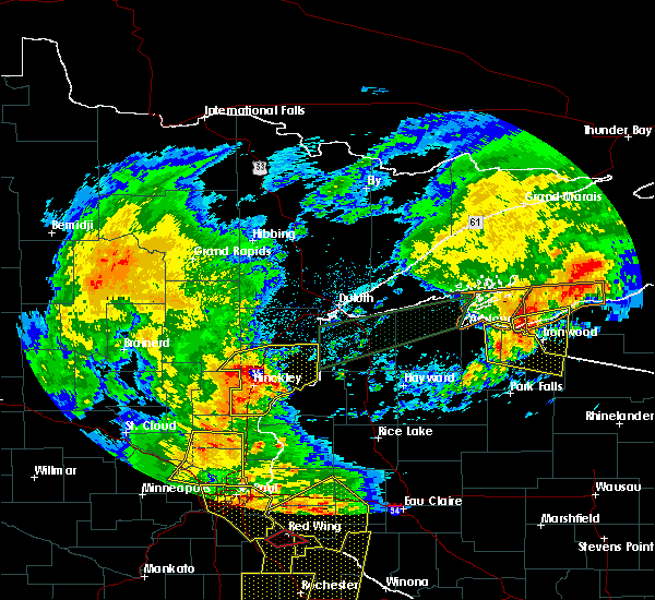 Radar Image for Severe Thunderstorms near Mellen, WI at 8/27/2018 5:52 PM CDT