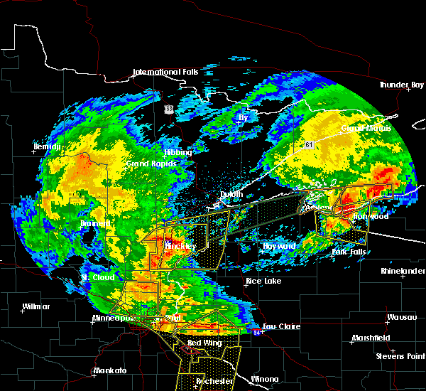 Radar Image for Severe Thunderstorms near Pine City, MN at 8/27/2018 6:01 PM CDT