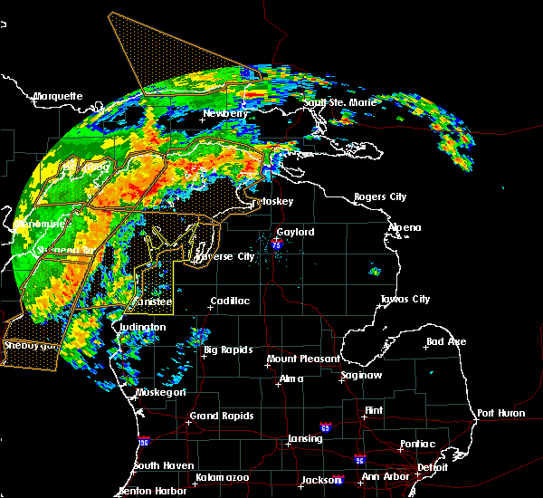 Radar Image for Severe Thunderstorms near Bendon, MI at 8/28/2018 12:30 AM EDT
