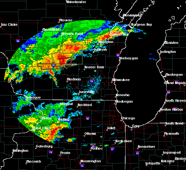 Radar Image for Severe Thunderstorms near Portage, WI at 8/28/2018 3:10 PM CDT