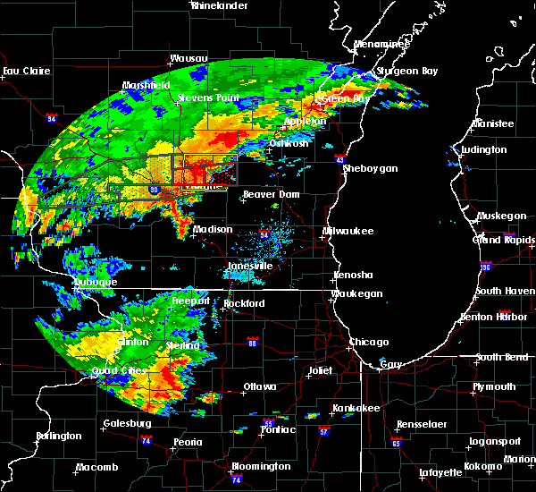 Radar Image for Severe Thunderstorms near Endeavor, WI at 8/28/2018 3:25 PM CDT