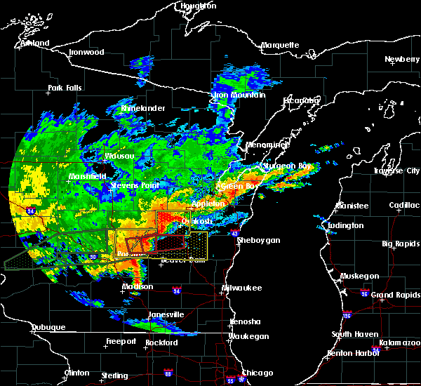 Radar Image for Severe Thunderstorms near Rosendale, WI at 8/28/2018 3:43 PM CDT